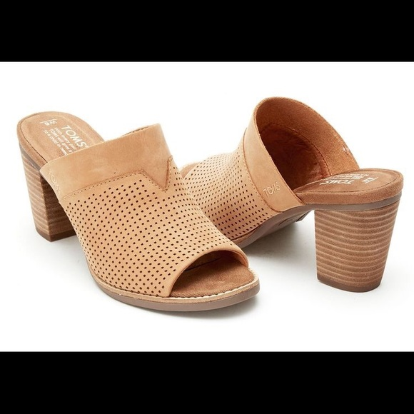 9adf8a4729b TOMS Perforated Women s Majorca Mules Shoes. M 5aa081f68df4703a866151c6
